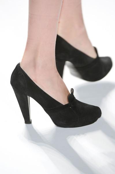 Black shoe side.jpg