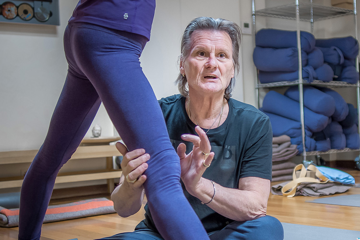 Chad Hamrin brings in extensive knowledge of teaching for more than 40 years make the workshops and Masterclass of basic and more advanced asanas.