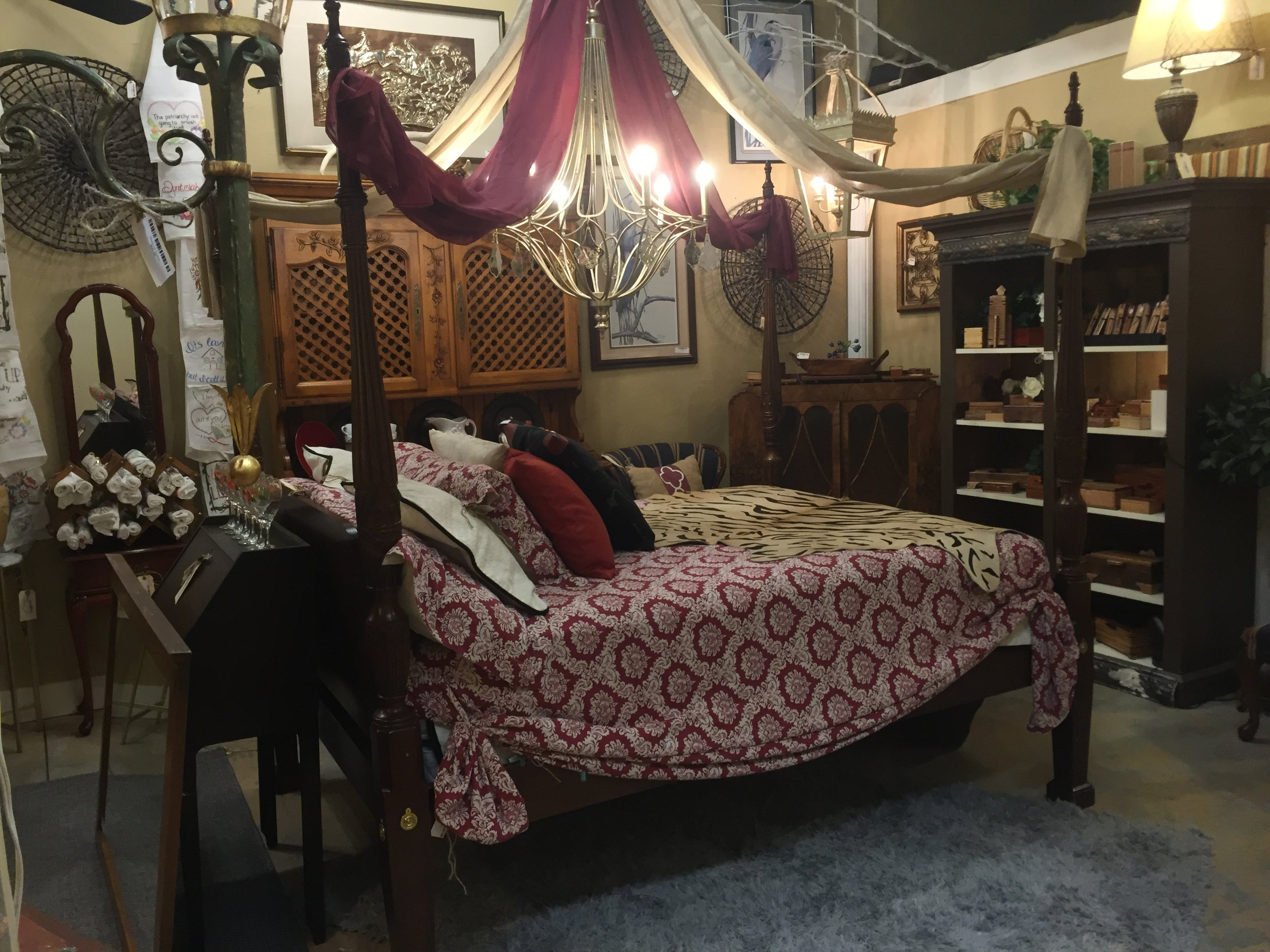 Queen Rice Pattern 4 Poster Bed $549.95 - 001 19696