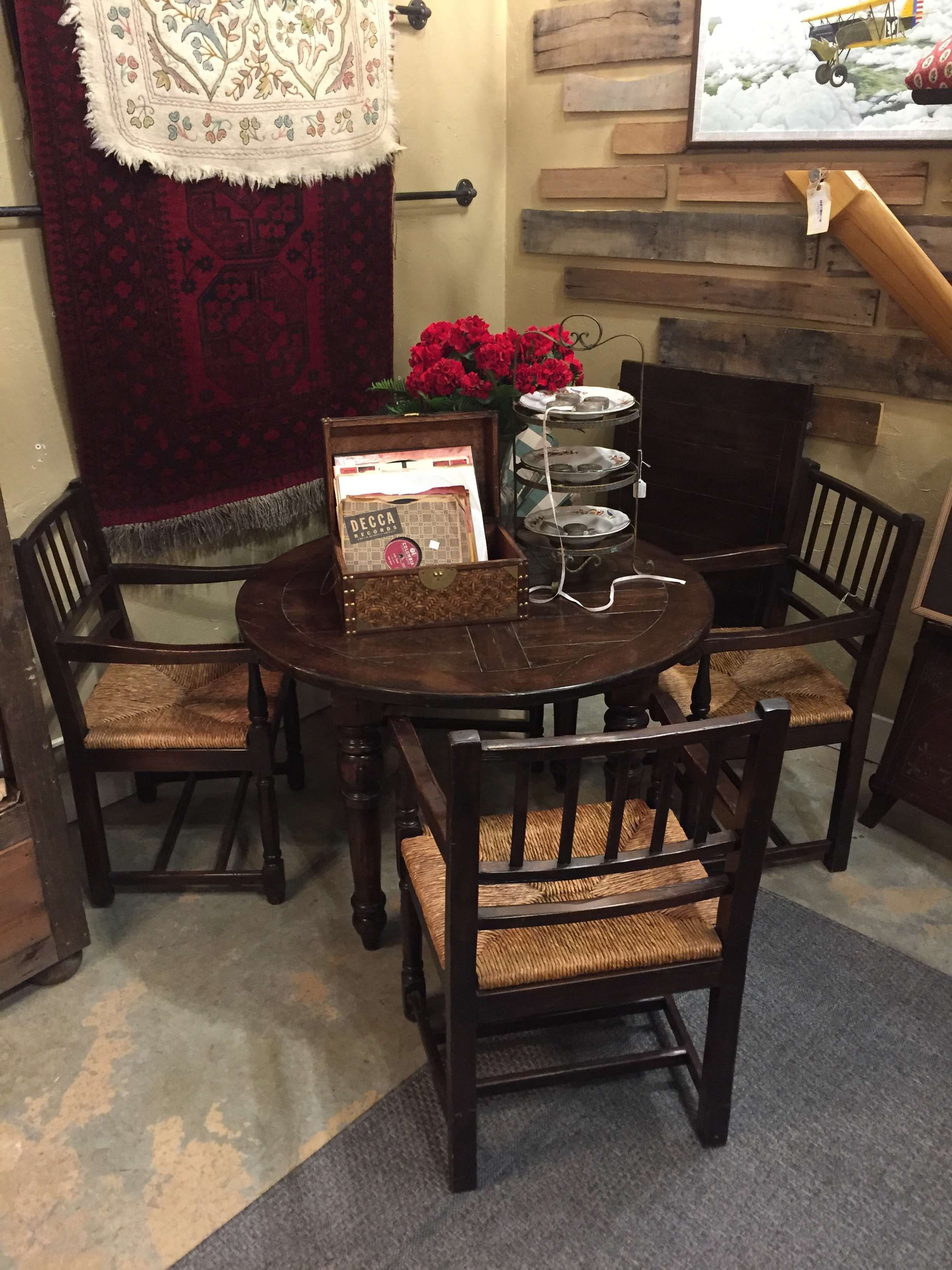 Baussman Table with 4 Chairs & 1 Leaf $849.95 - C1060 22609