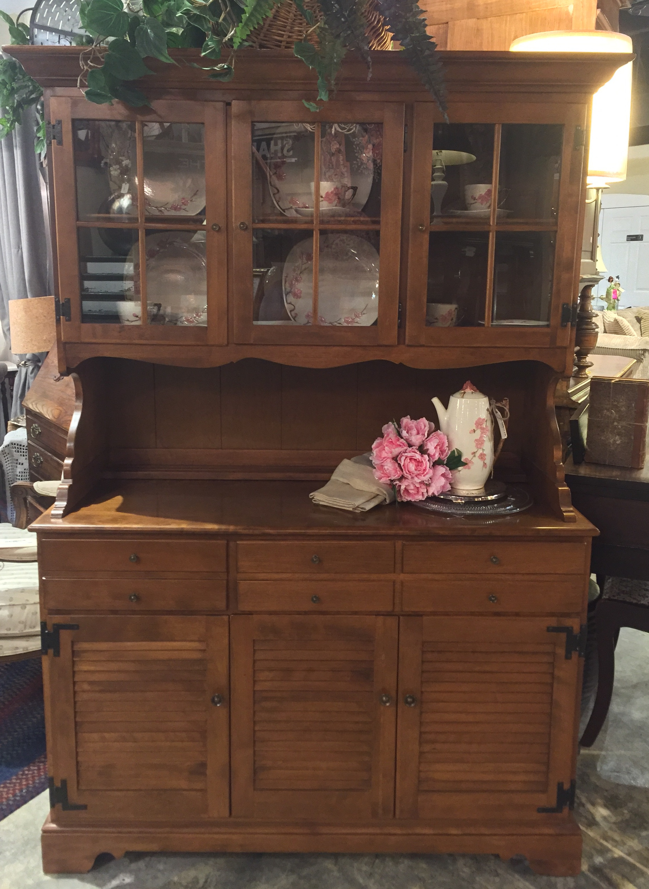 Maple Ethan Allen Hutch $549.95 - C1038 22910