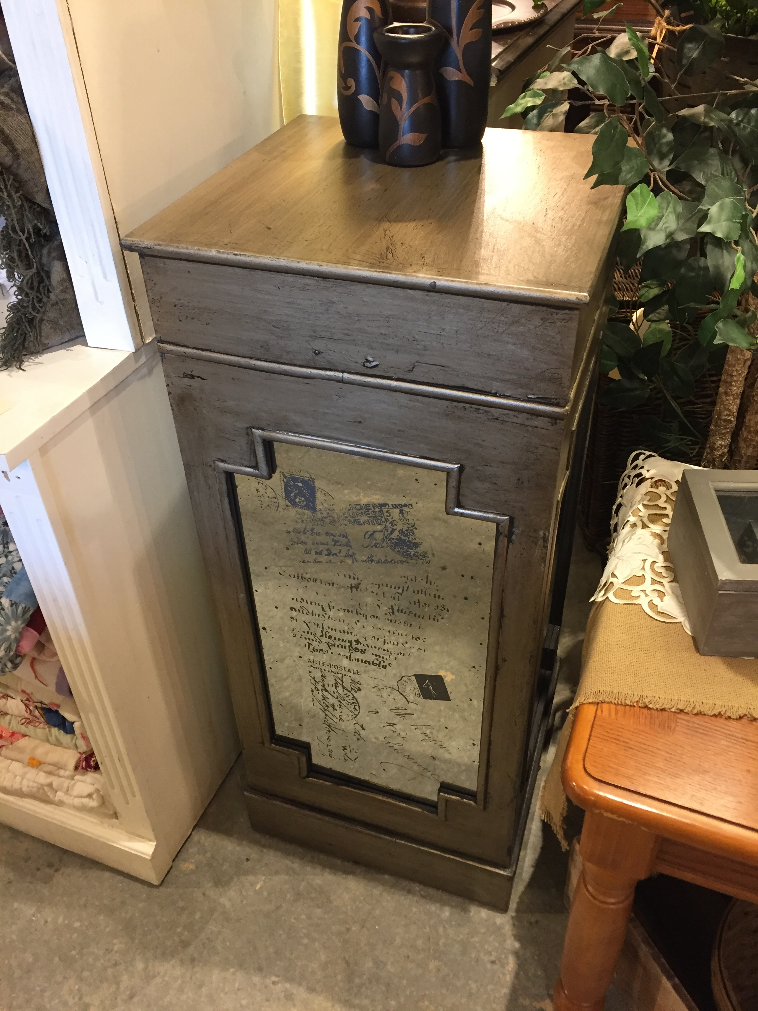 SOLD! Large Pedestal $119.95 - C1084 23462