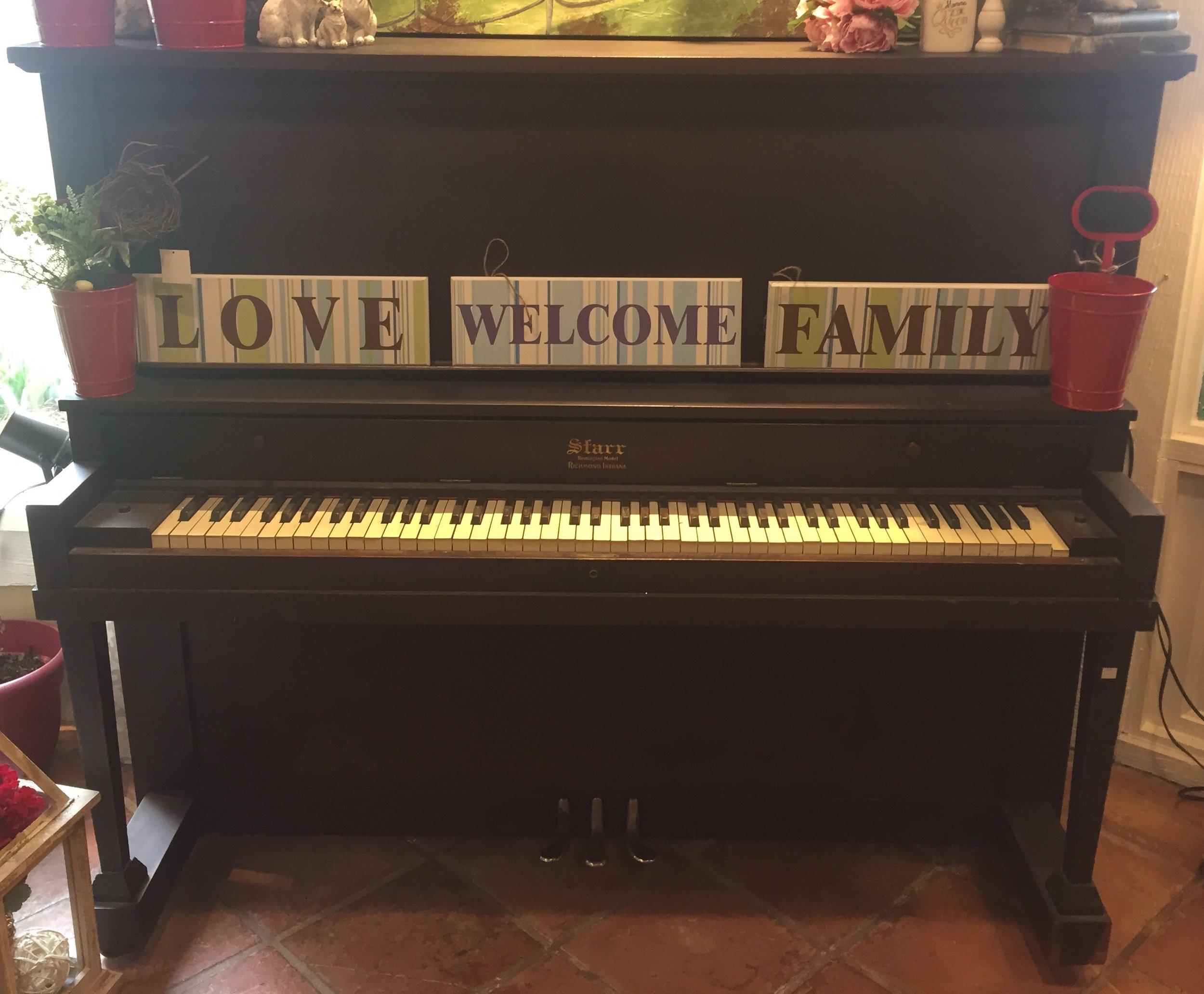 Piano $199.95 - C1129 24316