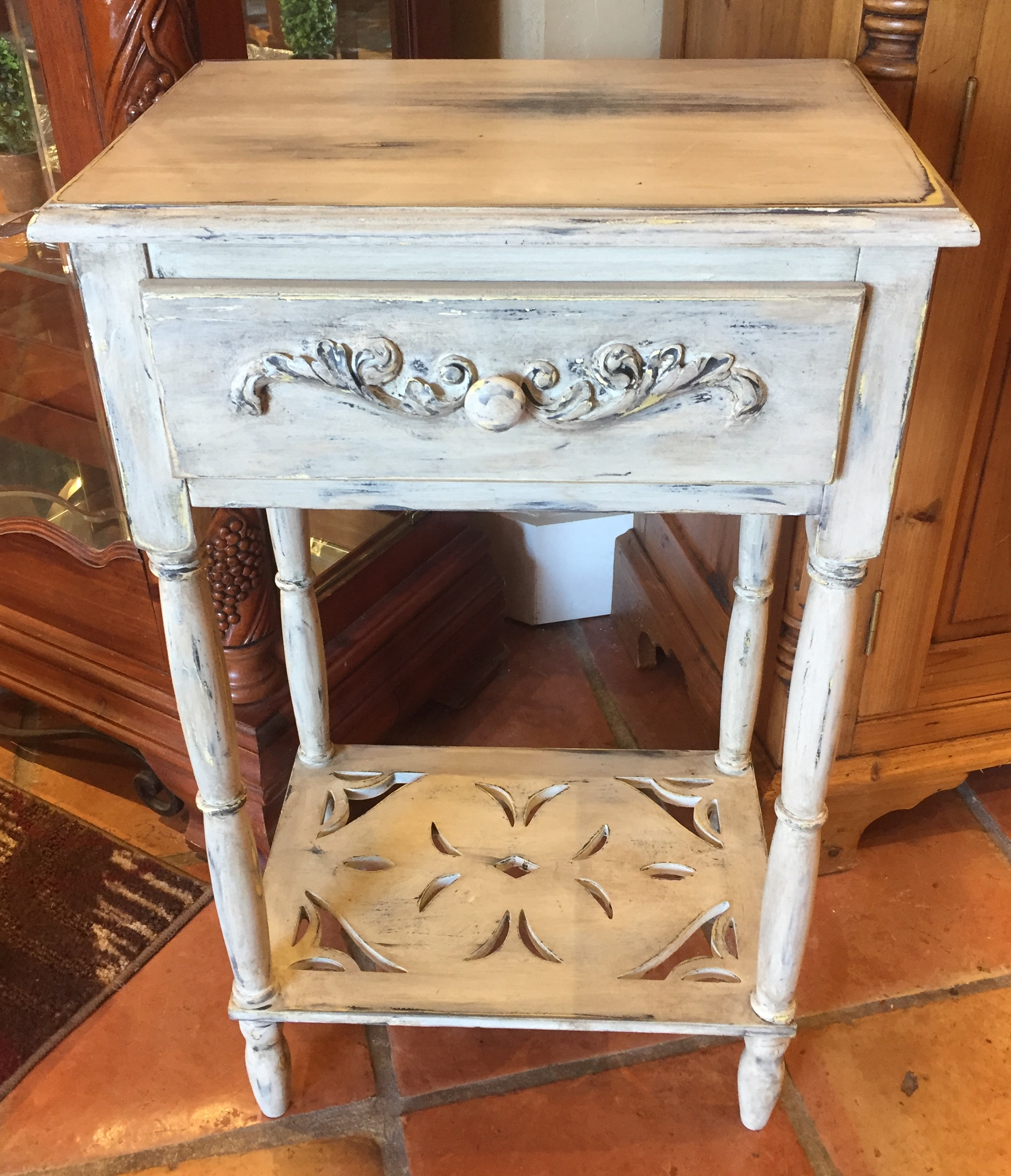 White Side Table $79.95 - C0960 24495
