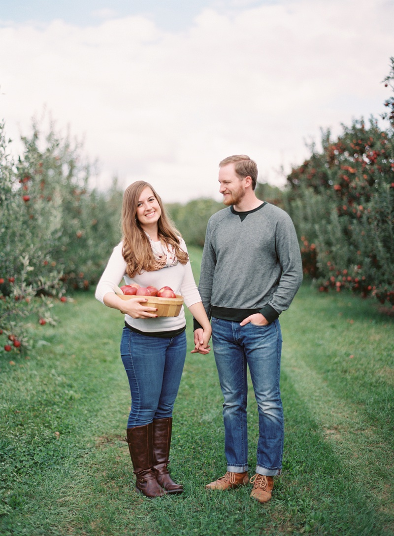 appleorchard_engagement_4.jpg