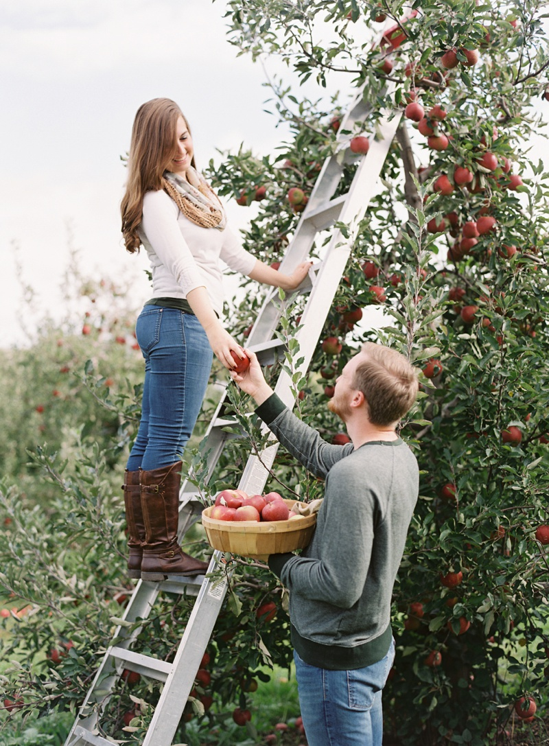 appleorchard_engagement_7.jpg
