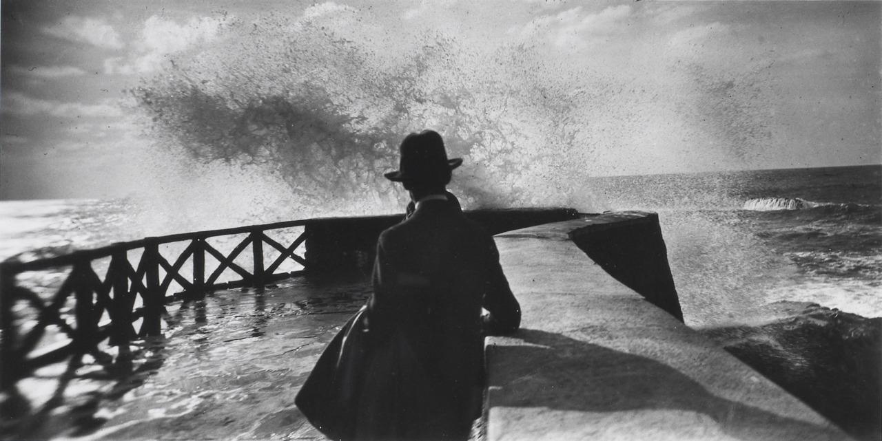 Beach at Villerville. Lartigue, 1914