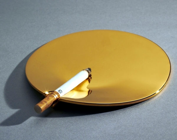 design-ashtray-fetish-by-joe-doucet-a-fashion-accessory-0-624.jpg