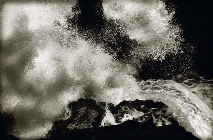 Photography: William Oldacre | Exploding wave on lava shore, Maui