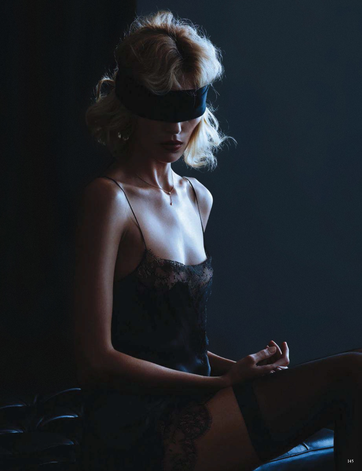 Anja-Rubik-Passion-by-Camilla-Akrans-For-Vogue-Germany-16.jpg
