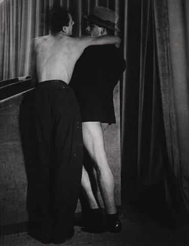 brassaï-un-costume-pour-deux,-1931.jpg