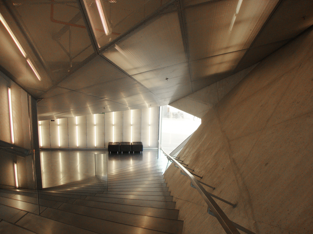 Casa_da_Música,_Rem_Koolhaas,_Porto_(25522780551).jpg