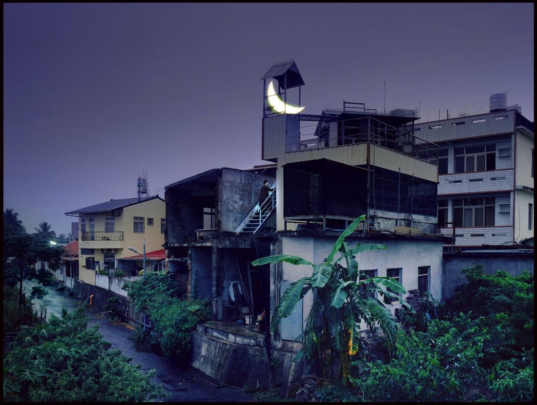 11_Leonid-Tishkov_Private-Moon_Kaohsiung_Taiwan_2012_1100.jpg
