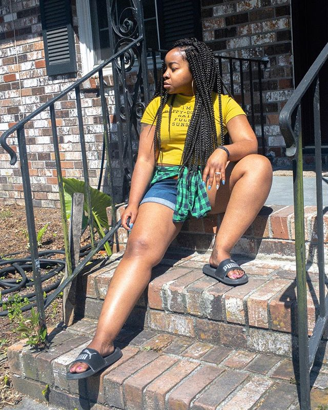 Hit the block like the sun and get rid of all the snow.  _____________________  #afrosociallife #iphonephotography #selfportraits #charleston #melanin #sunnyweather #boxbraids #naturalhair #protectivestyles #charlestonblogger #dgyola