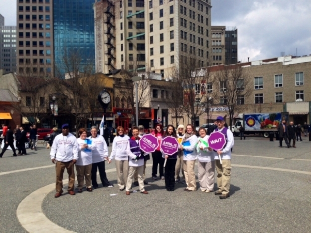 UPMC brand ambassadors encouraged Pittsburgh locals to sign up to be Organ Donors in April
