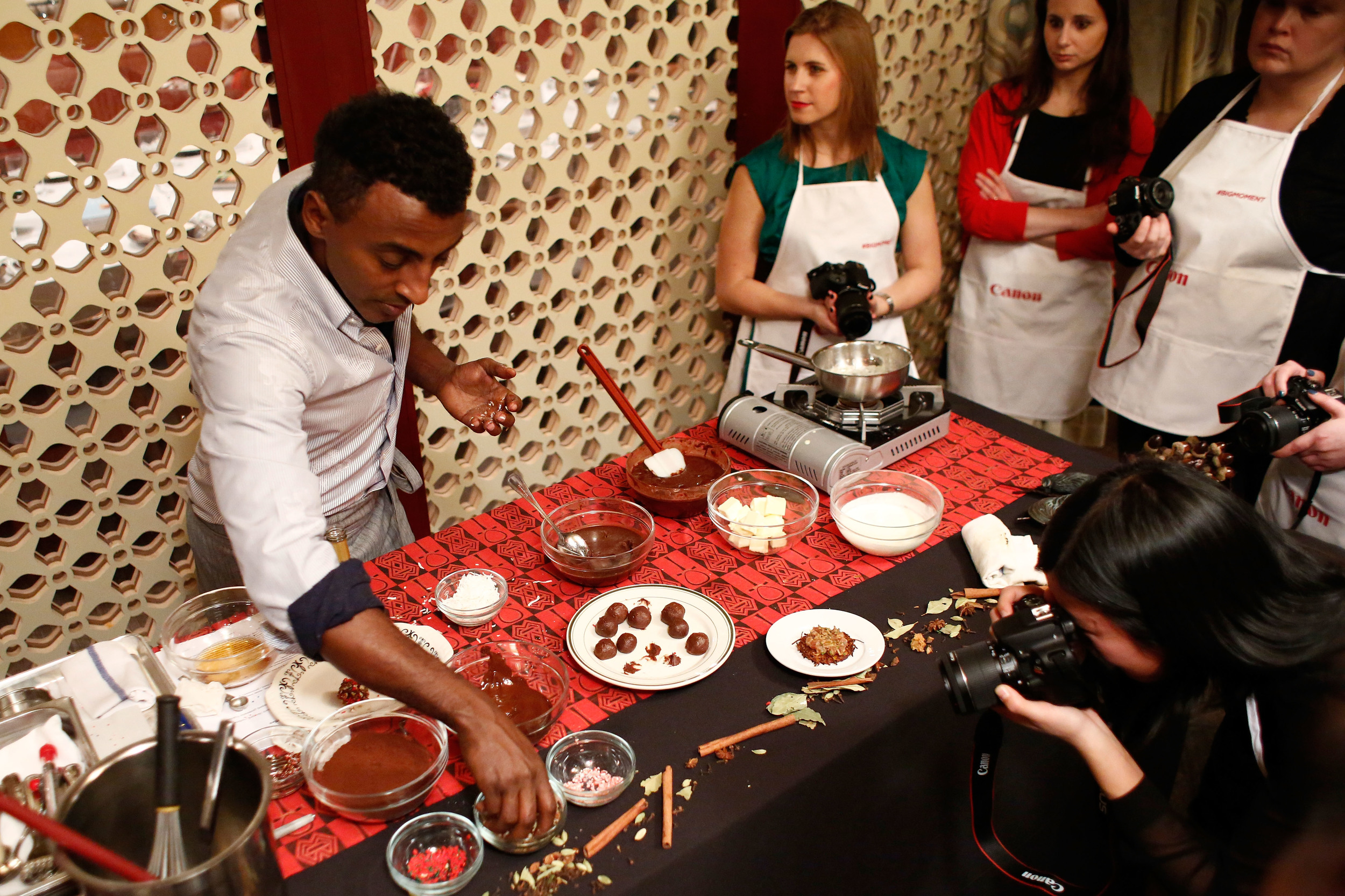 canons-the-big-moment-with-chef-marcus-samuelsson-december-2013-at-red-rooster-in-nyc_15744927688_o.jpg