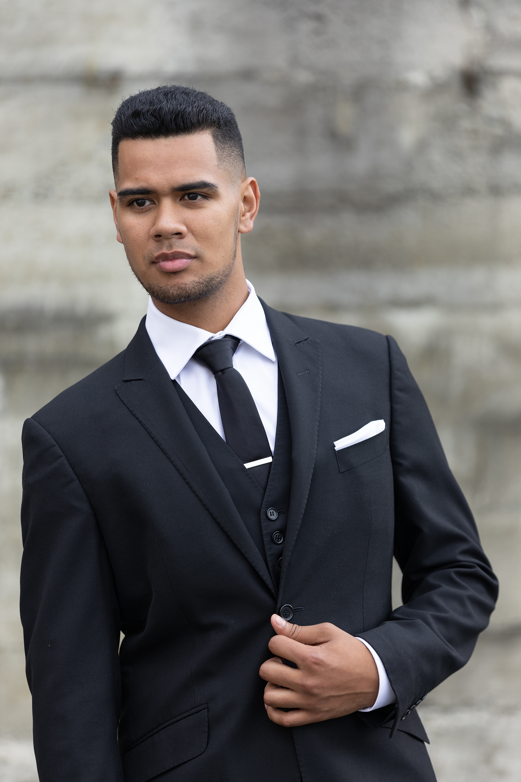 Romeo - Regular Fit- Black- Peak lapel- 2 button suit jacket- Straight leg suit trouserHire price $120 NZDReg: 88—132Short: 88—112Tall: 88—116