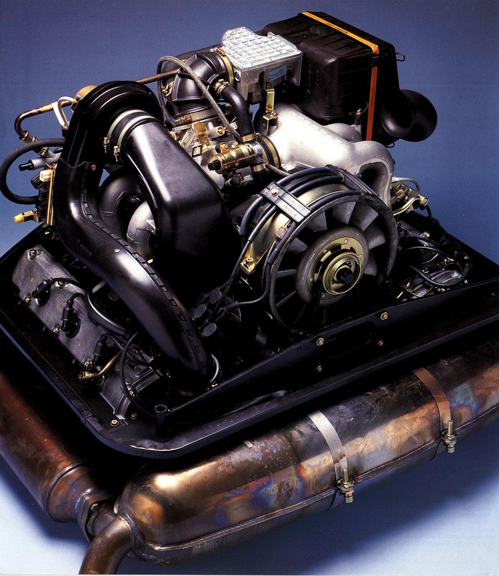 TunnelRam_1986_Porsche engine.jpg