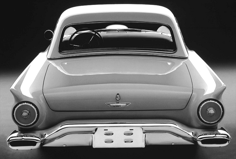 The 1957 Thunderbird exhausts emanated from these wide outlets incorporated in the rear bumper extremities.