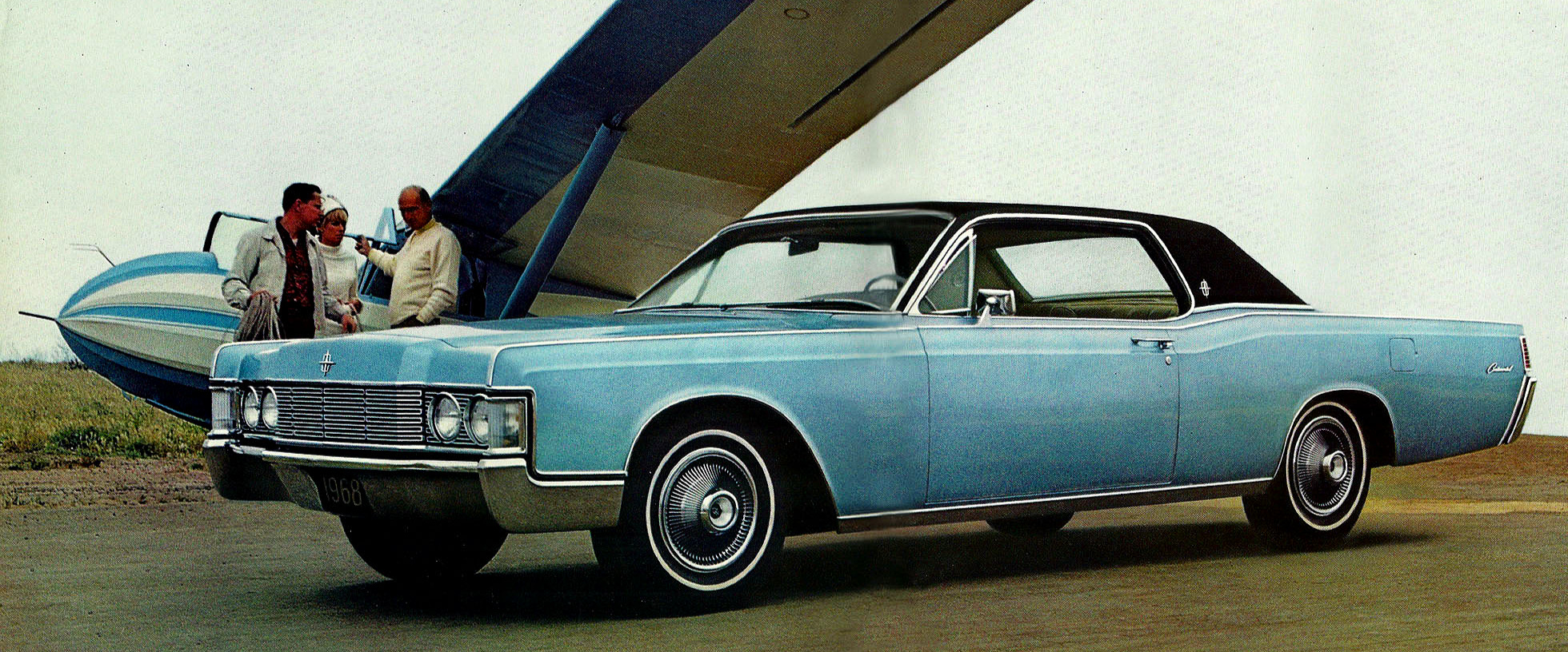 A two door hardtop version of the 1968 Lincoln in the same 'Huron Blue' as the one used in the movie