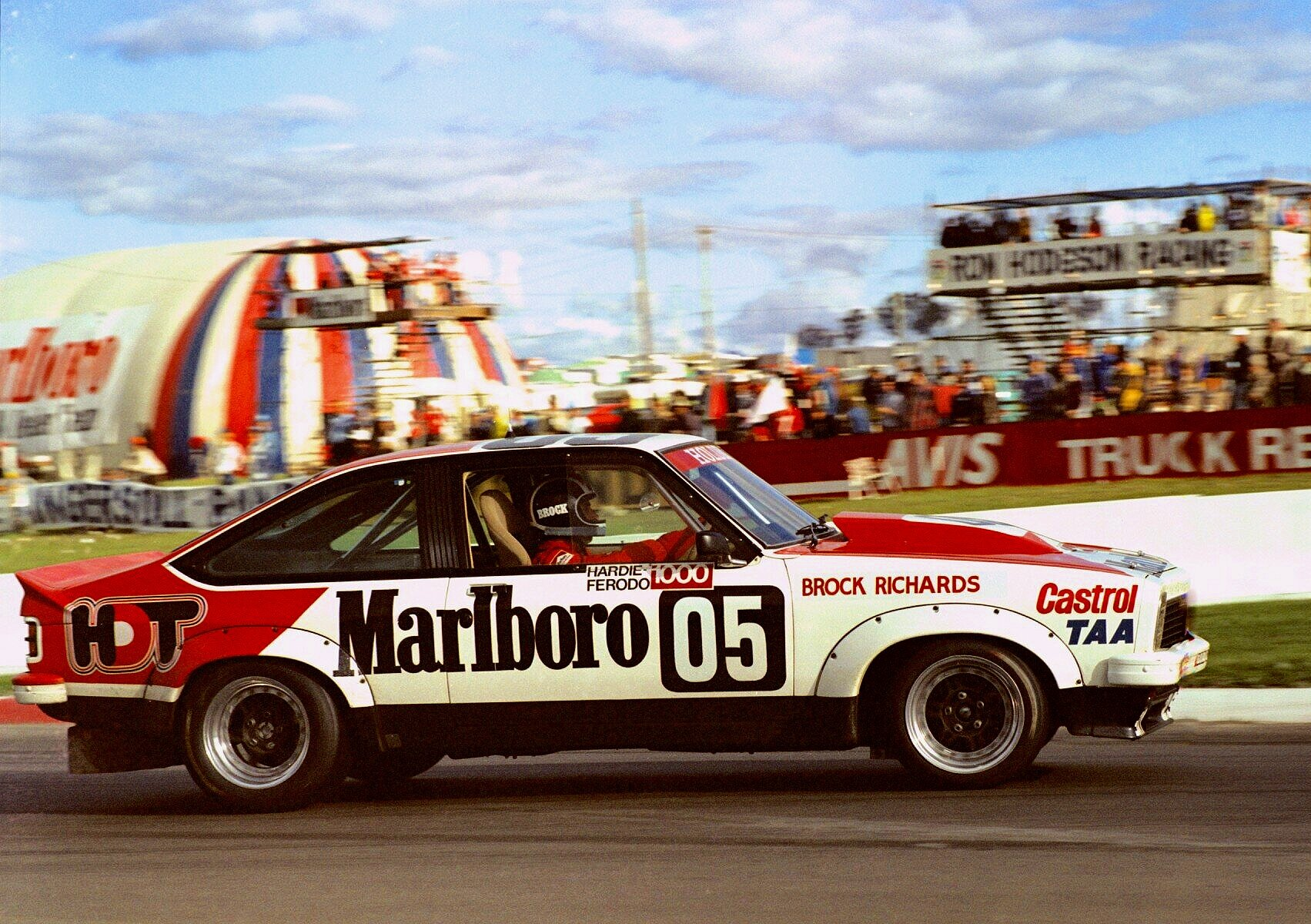 Peter Brock dominates the 1979 Bathurst 1000 in the A9X Torana