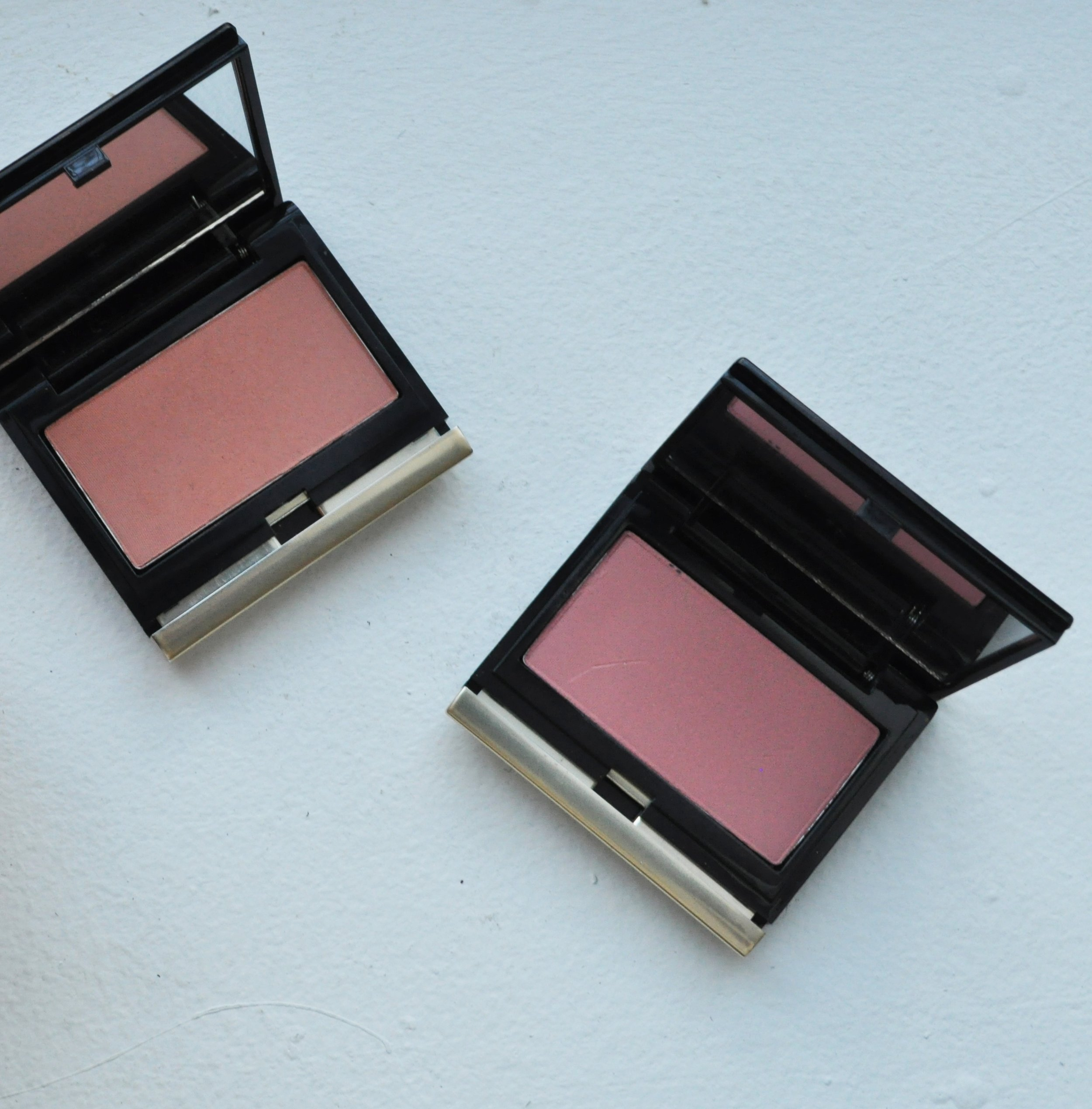 Kevyn Aucoin The Pure Powder Glow Blush in Dolline and Helena