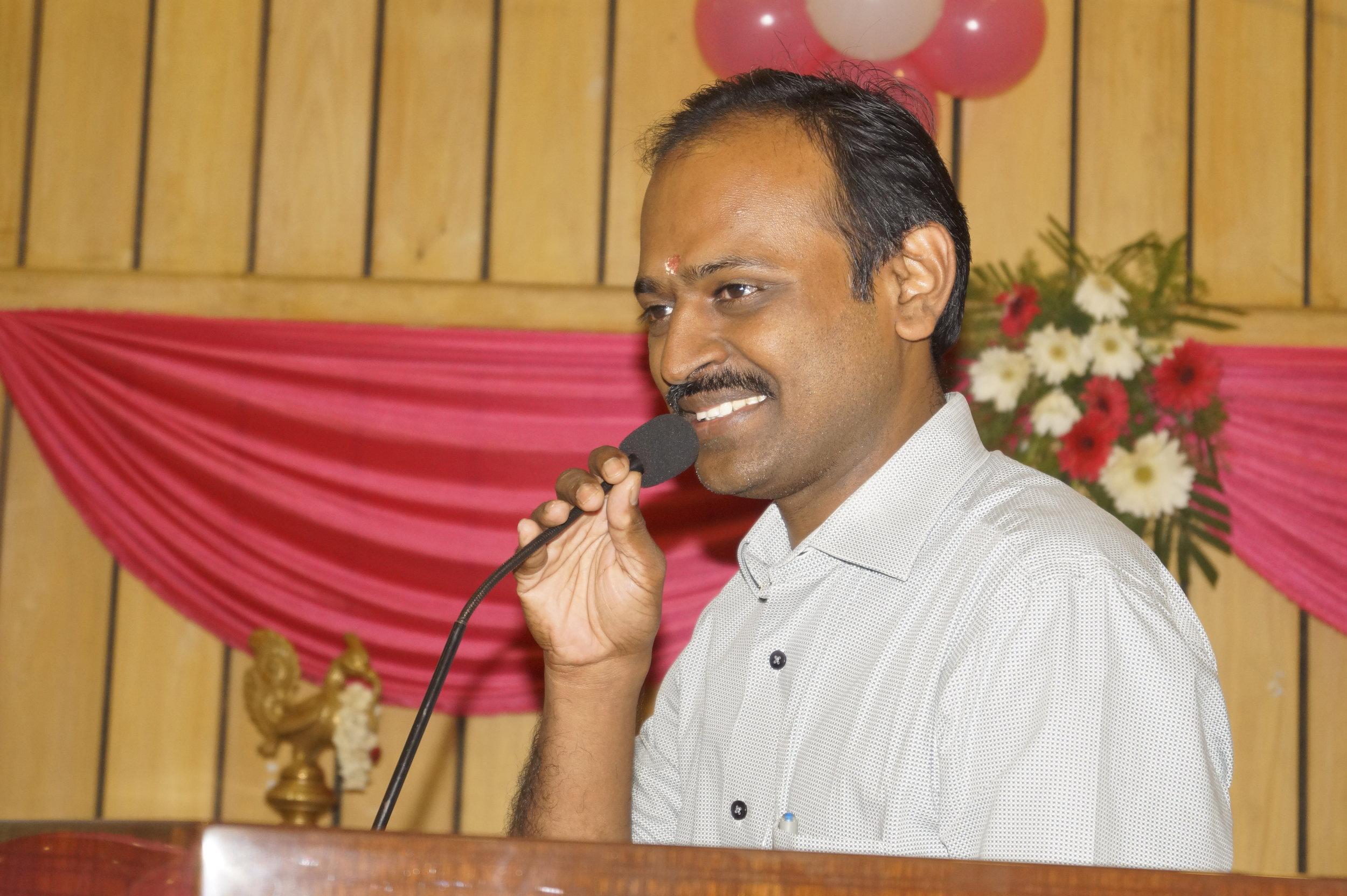 Dr.Senthil Nathan Addressing the gathering.