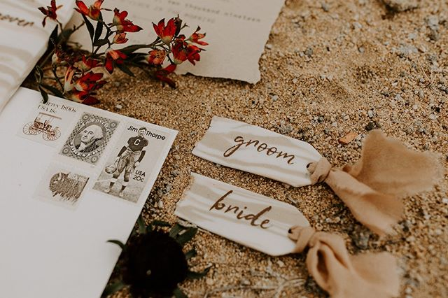 I got nothing. Who else dreads writing captions?!?!?! I mean isn't enough the photos have to look good but we have to be witty too? Here it is...I like stationery. I like making really good, bad a**, memorable stationery. You down? Shoot me a message.  :: Coordinator + PC: @megbrookephotography Stylist: @simplemeans_events Invites: @pineandcactus  Clay Pieces: @hername_ismud Floral: @moelleux_events Featured On: @junebugweddings ⠀⠀ . . . . . #pineandcactus #stationer #stationery #weddingstationer #weddingpaper #handmade #customdesign #detailsmatter #itsinthedetails #placecards #clay #natural #desertvibes #bohowedding