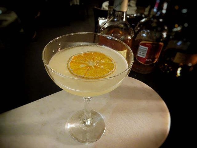 Did you know that 'Sirius' is the brightest star in the night's sky? 🌟 So it's only fitting really that this light and sparkly cocktail shares the same name | elderflower liqueur, cointreau, lemon and edible stars 🍊
