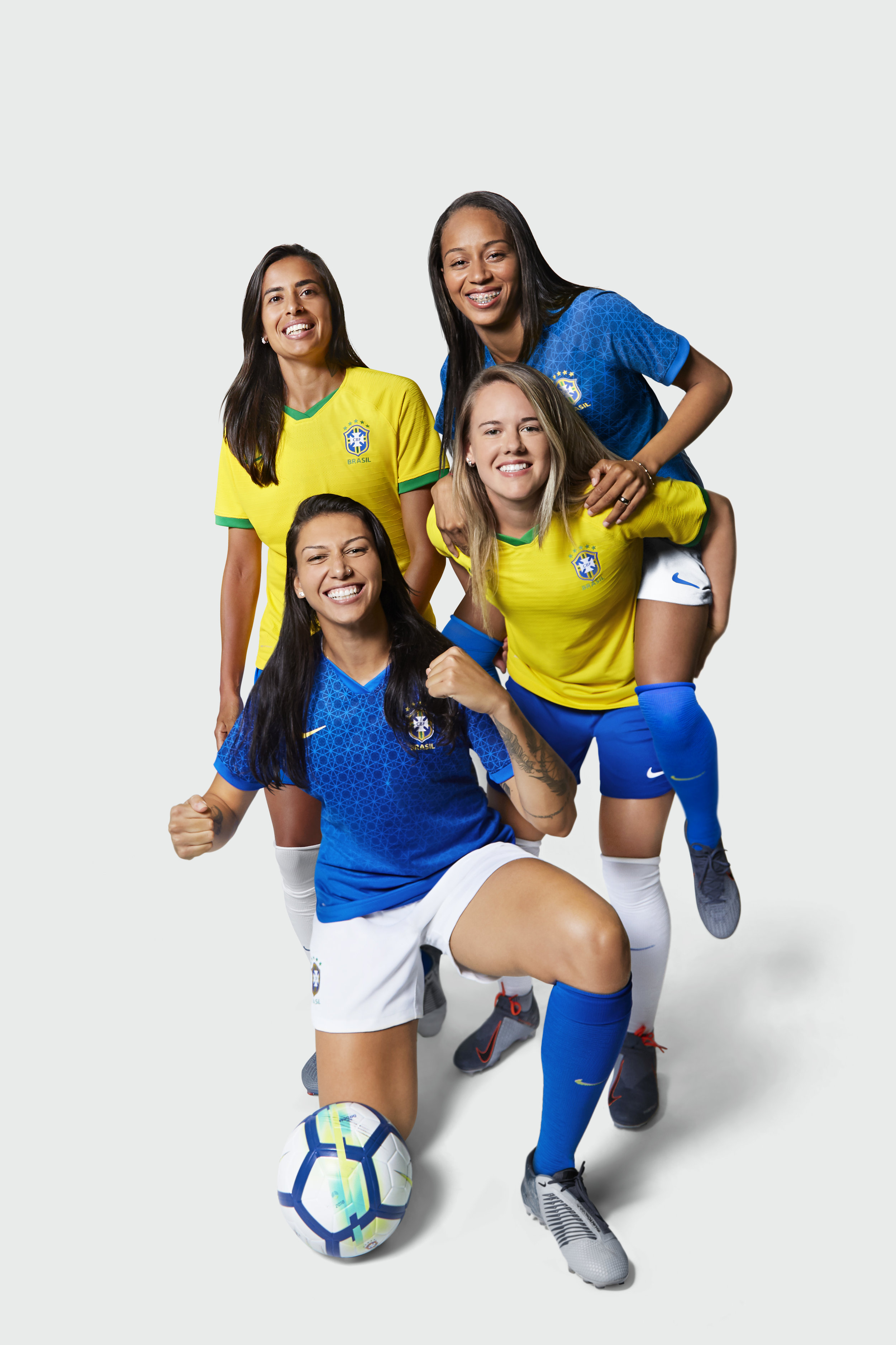 Nike_National_Team_Kit_Brasilien_1.jpg
