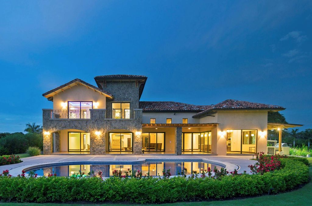 Auction Item #6 - Luxurious home in Costa Rica