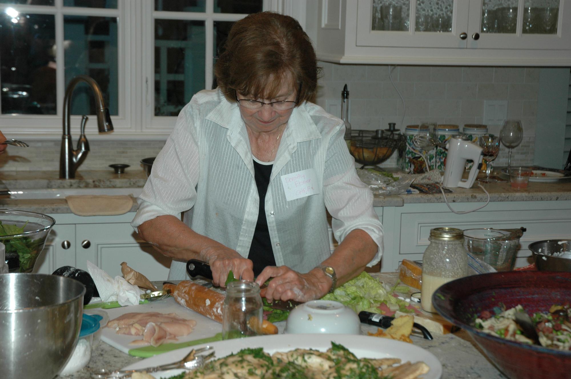 27-preparing-salad_0089.jpg