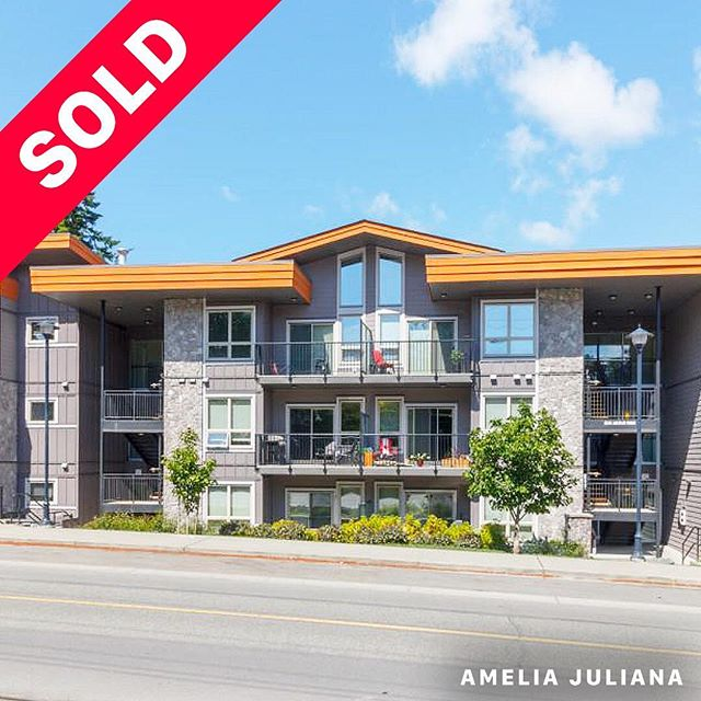 SOLD Congratulations to my client on the purchase of a quiet, spacious corner unit in this awesome building! I sold her townhouse with great success before she downsized to something that better suited her needs. And of course we scored a great price, too! 😉 Thank you for trusting me with both of these transactions.
