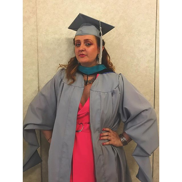 Waiting backstage to graduate like 💅🏼 #masterofartsmanagement #columbiacollegechicago #graduateschool #draggrad #graduatedrag