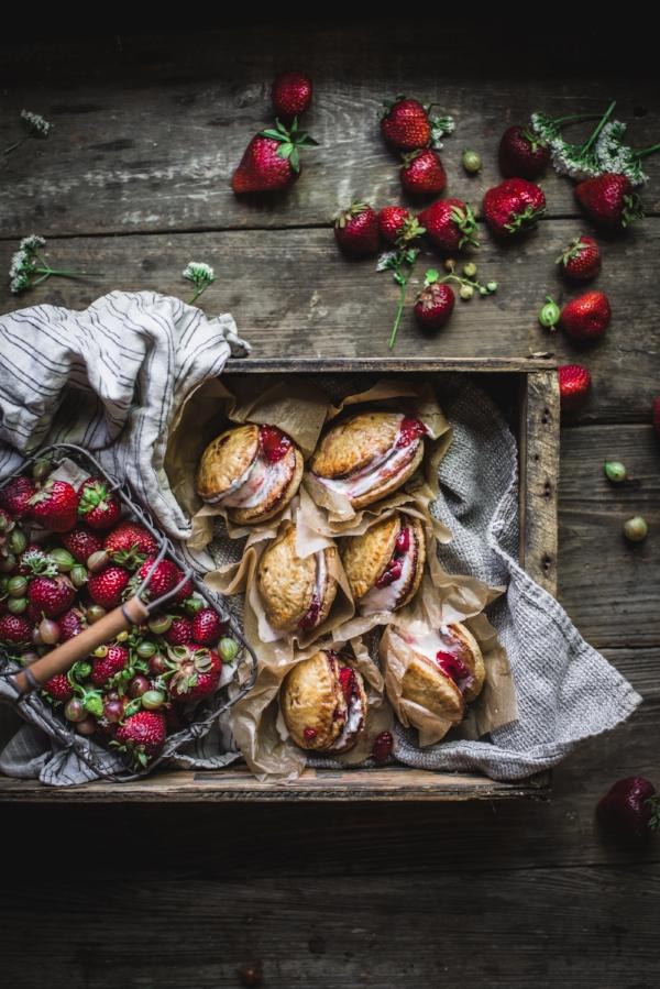 Strawberry-Pie-Sandwiches-3.jpg