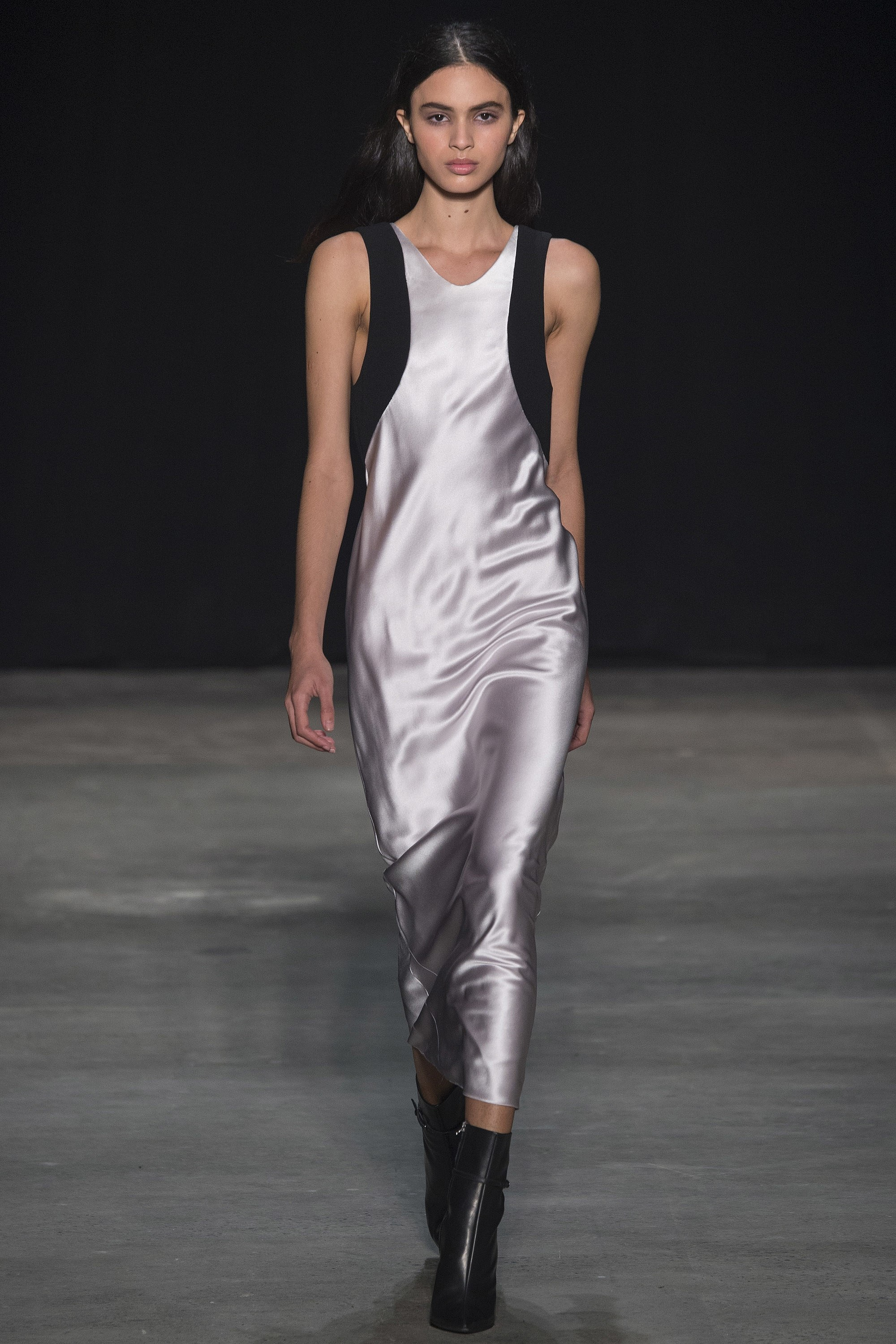Easy breezy greyscale dress with a mod cut.  Narciso Rodriguez, Courtesy of Vogue.