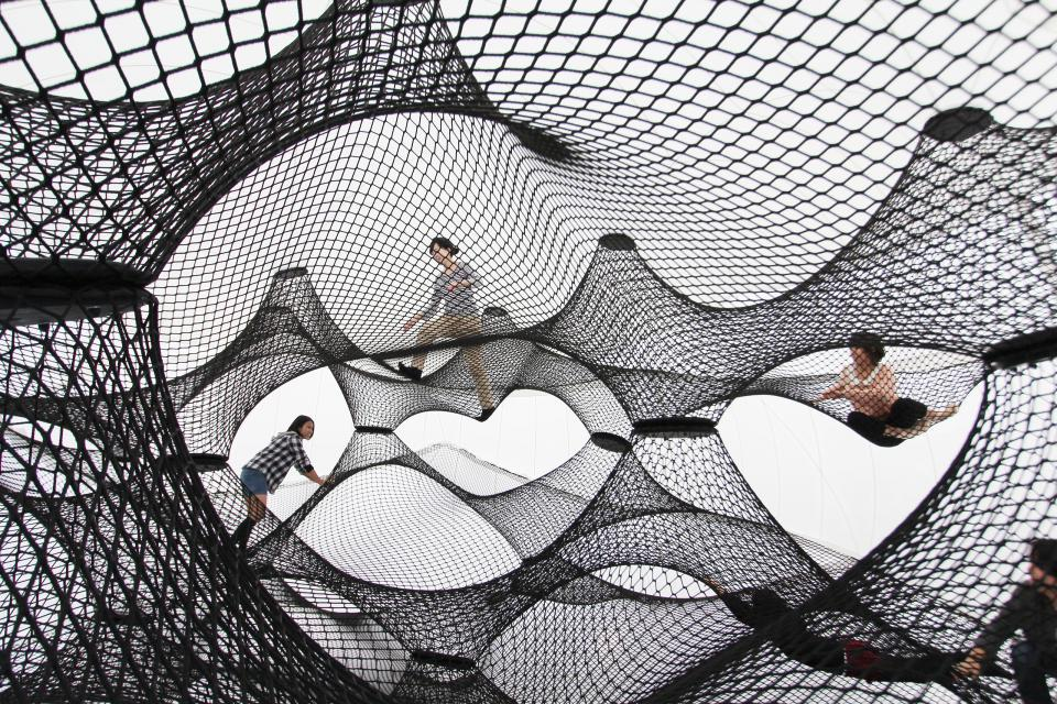 Net Blow Up. Courtesy of Numen, www.numen.eu