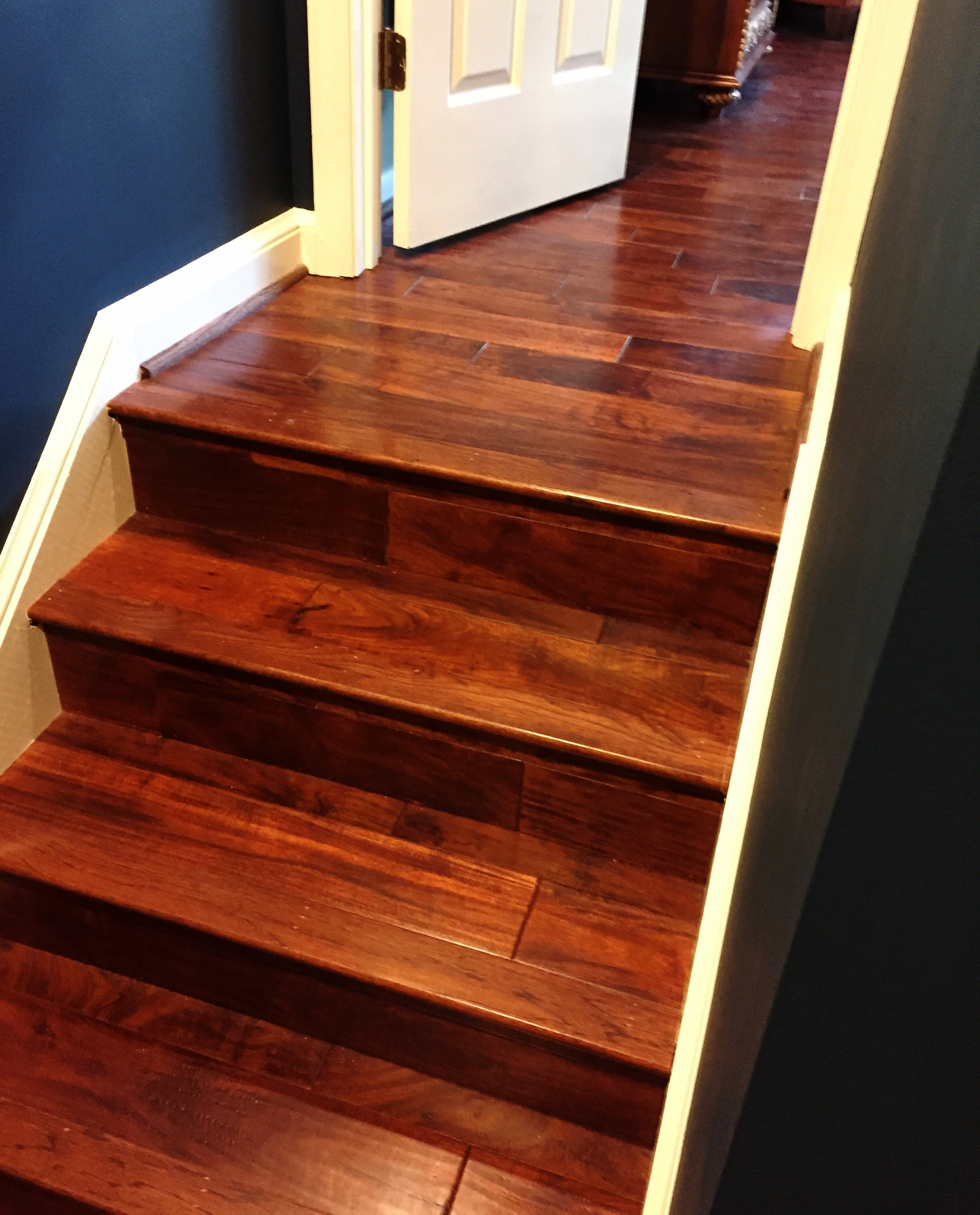 Mahogany_Stairs.jpg