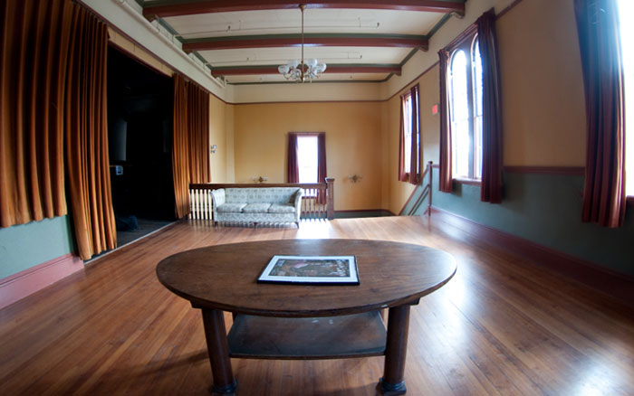 Eliot Hall, Foyer