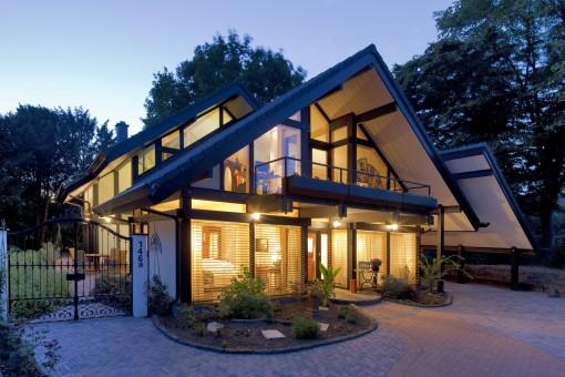 wood_skeleton_flock_home_timber_framed_building_fachwerkhaus_modern_architecture-994056.jpg