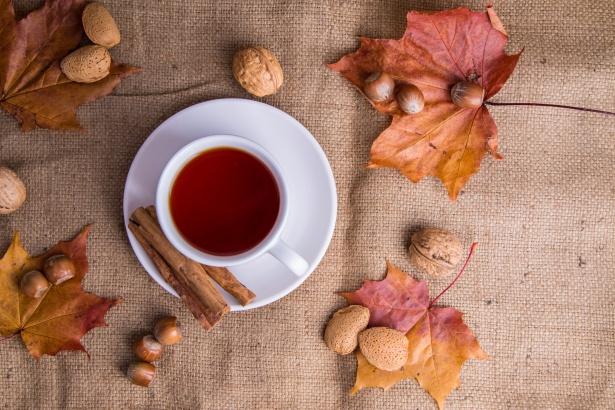 tea-and-autumn-decorations-147188828306k.jpg