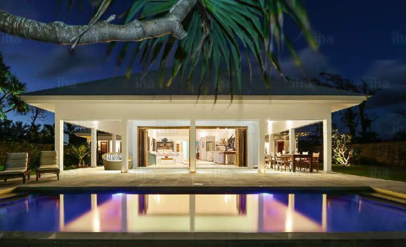 luxury home pool