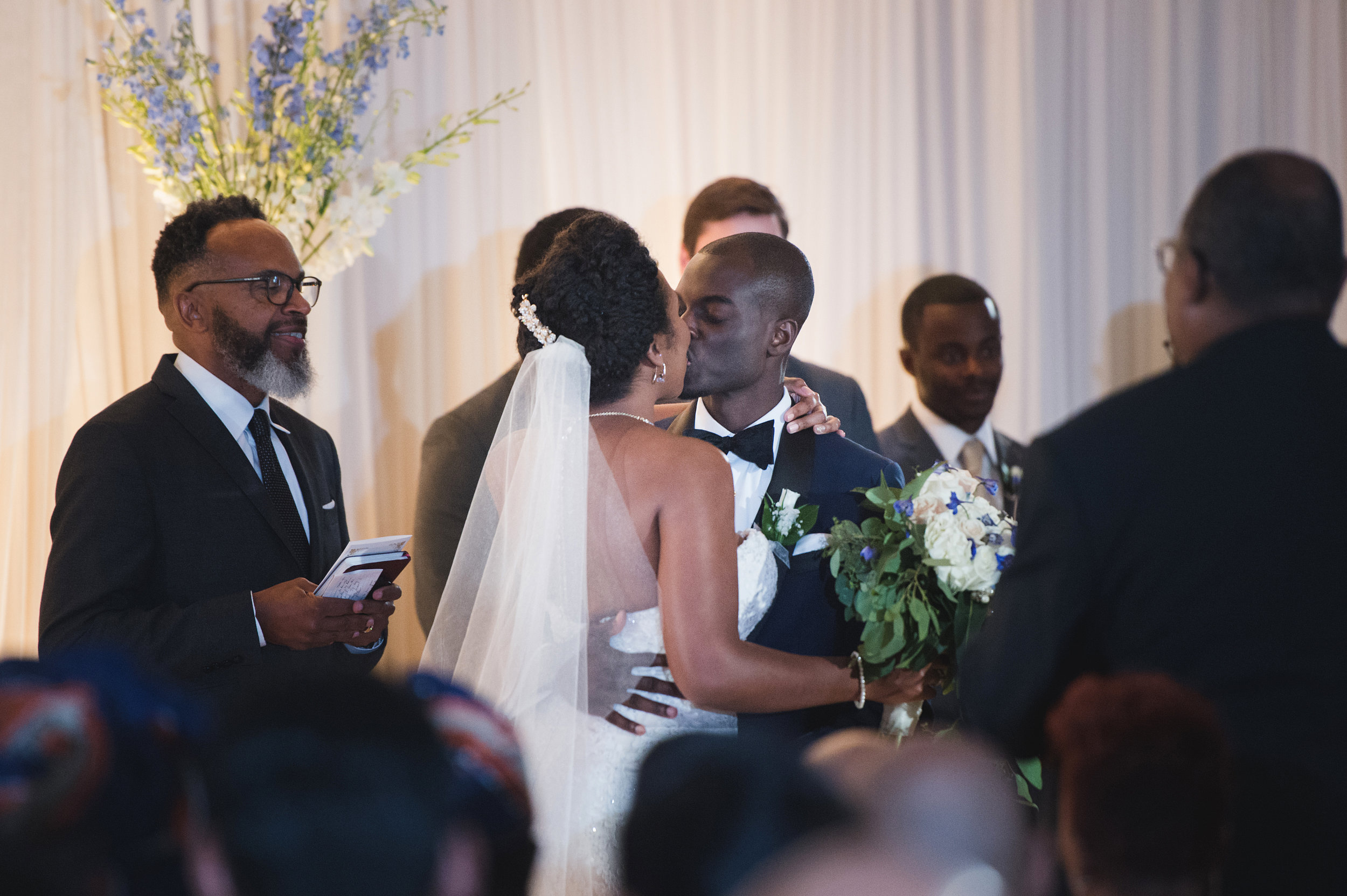 black-love-wedding-ceremony-first-kiss