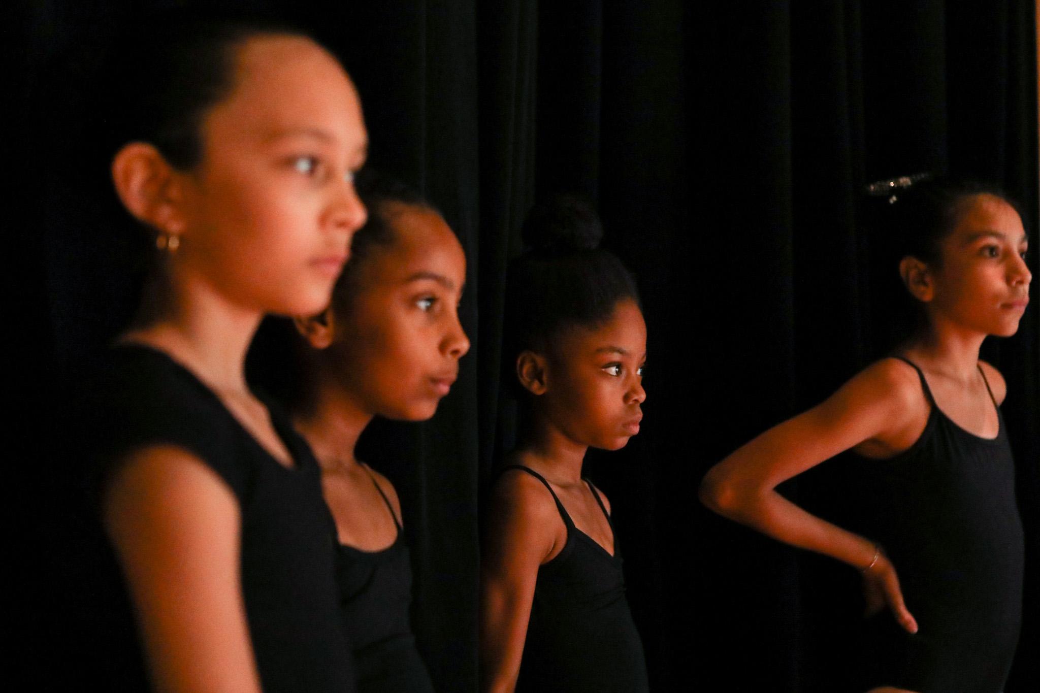 BonnieArbittier_dallas_black_dance_theater_theatre_performance_dance_dancer_dancers_recital_jo_long_caver-2-2.jpg