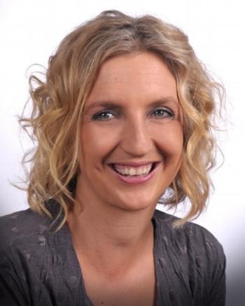Sue White headshot.jpg