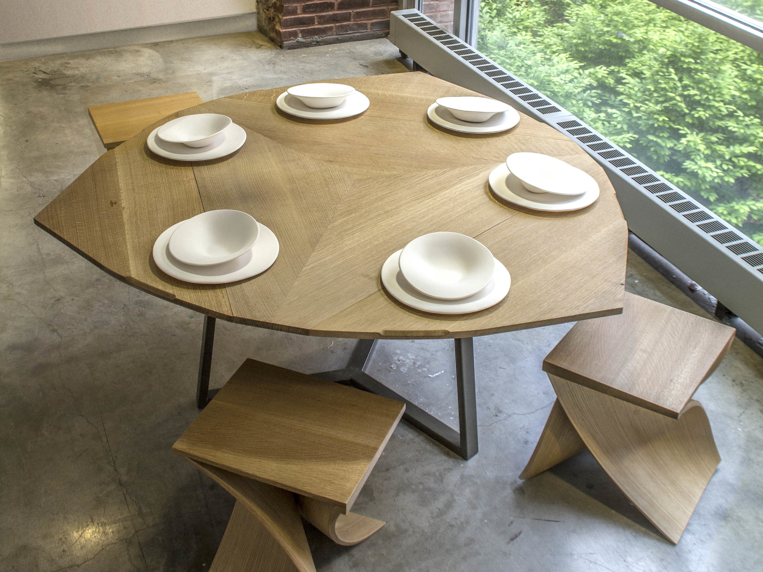 - Expanding Table