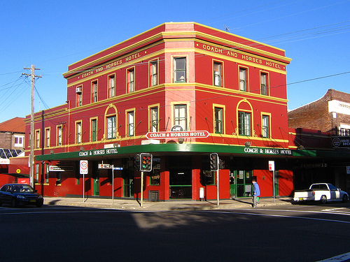 The-Coach-and-Horses-Hotel.jpg