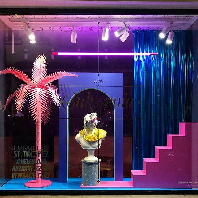 Lukullus latem kocha ejtisy🕺#hellolody #newproject #windowstoriesbymalwa #windowdisplay #vm #visualmerchandising #warsaw #retail