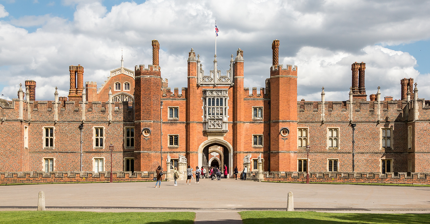 NEW_0005_HamptonCourt.jpg