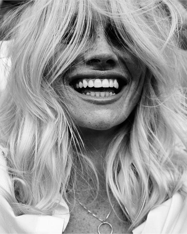 Smile! It's Friday! 😁 @elle.mcnamara @imgmodels new work for @jutemagazine P: @connorlangford M: @cherrycheungmakeup  S: @worldofcv #hair by me